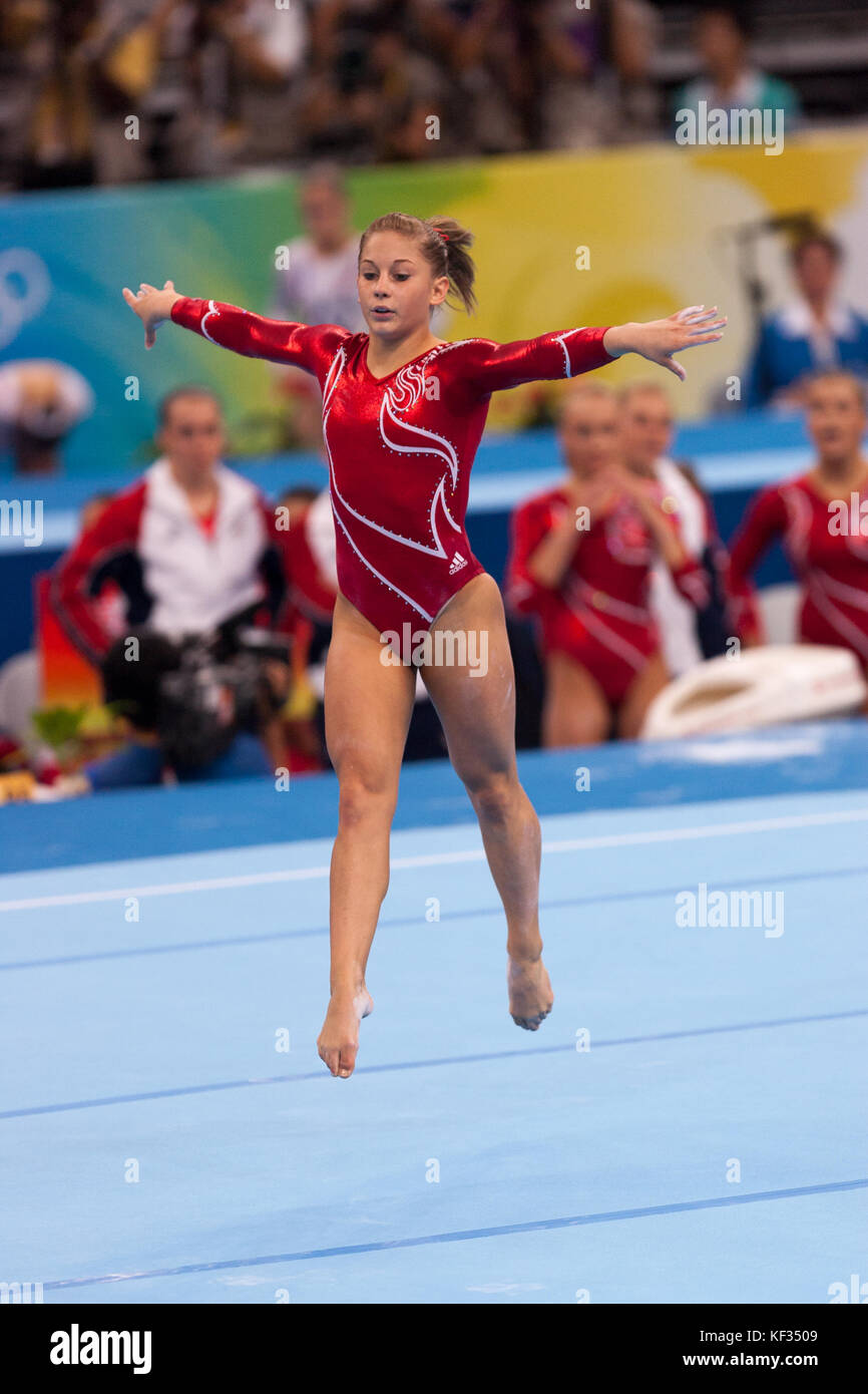 Shawn Johnson (USA) in der Nationalmannschaft bei den Olympischen Sommerspielen 2008 in Peking, China Stockbild