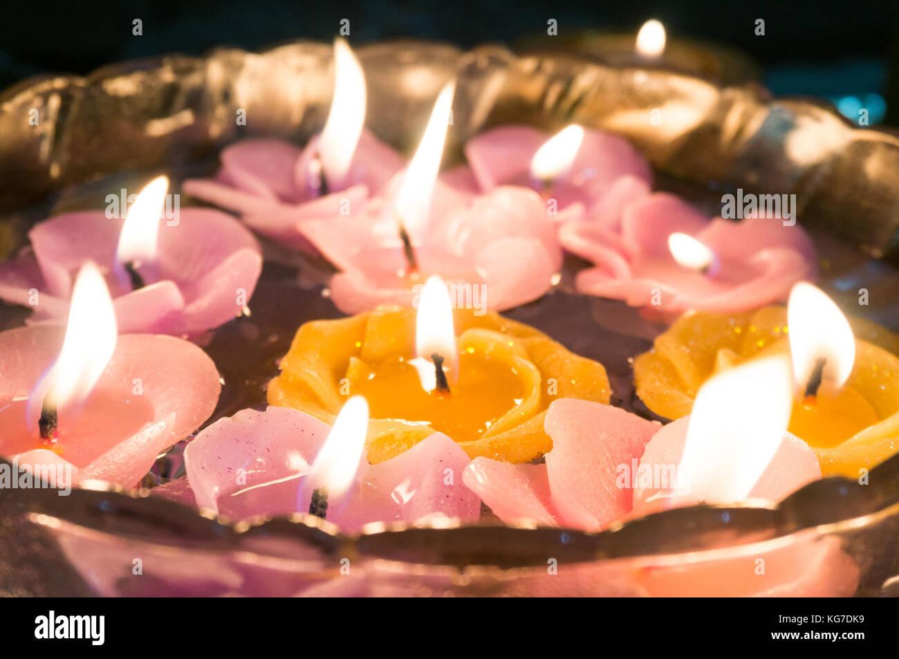 india floating candles stockfotos india floating candles bilder alamy. Black Bedroom Furniture Sets. Home Design Ideas