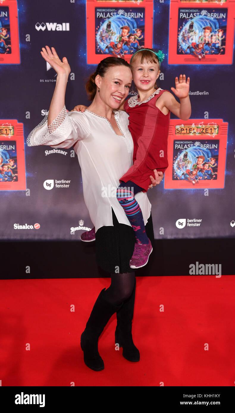 """Berlin, Deutschland. 19 Nov, 2017. us Schauspielerin und Tänzerin tami Stronach, der das Kind Kaiserin in """"Die Stockbild"""