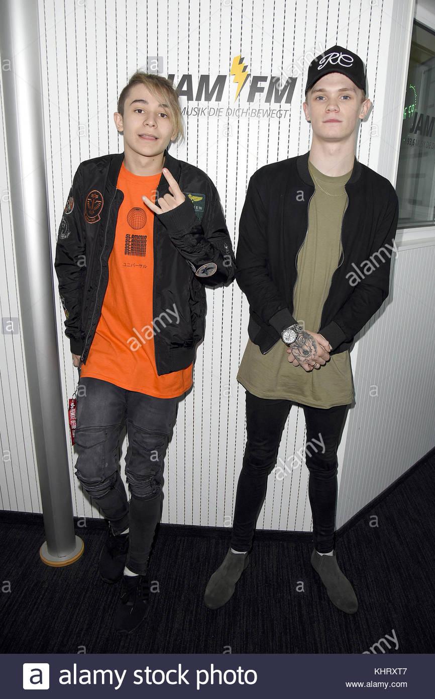 """Uk teen stars Pop Duo """"Bars und Melodie"""" von Jam FM Radio Station am Kurfürstendamm. Mit: Bars und Stockbild"""