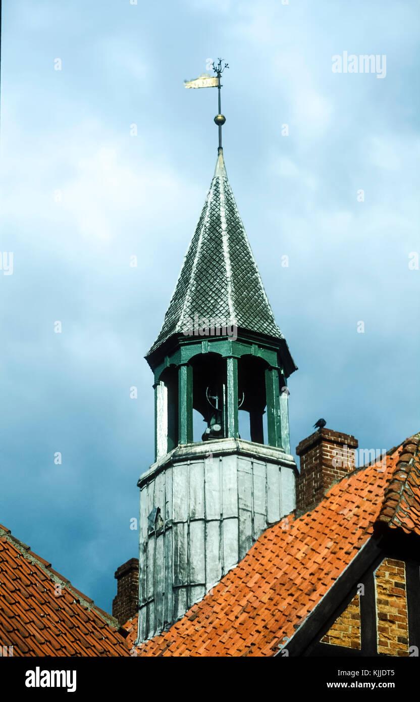 Dachterrasse mit Blick in die malerische Stadt Ebletoft in Dänemark Stockbild
