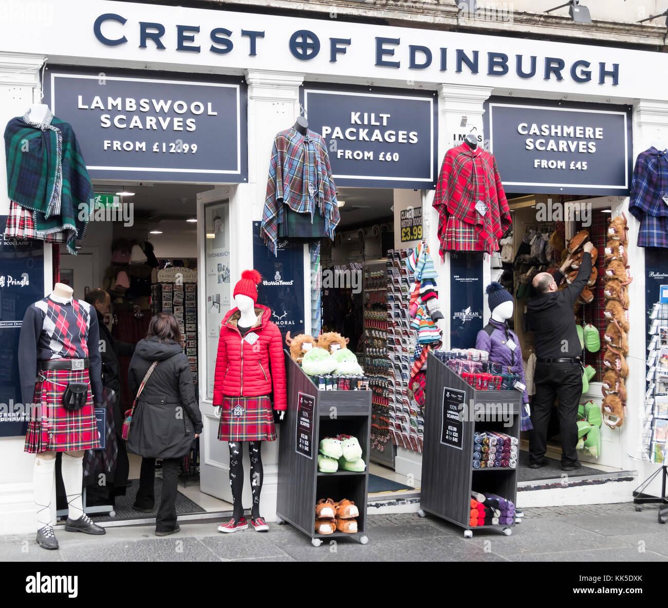 Kilt Shop auf der Royal Mile in Edinburgh, Schottland, Großbritannien. Stockbild