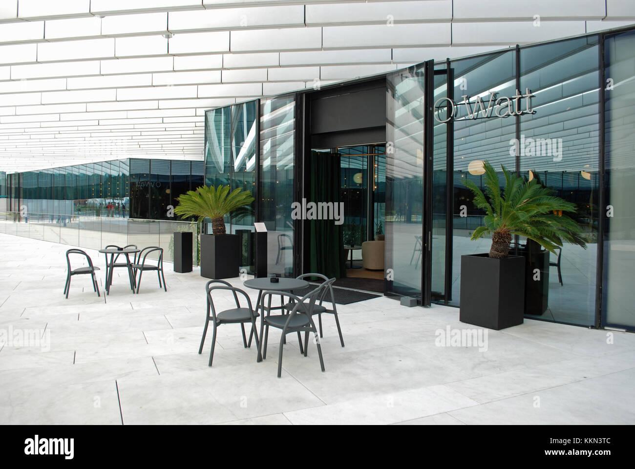 Außenansicht von o watt Fine Dining Restaurant in EDV-Gebäude, Cais do Sodré, Lissabon. Stockbild