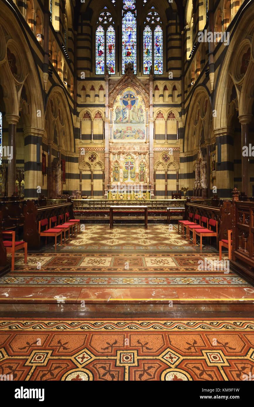 Australien Melbourne. der St. Paul Kathedrale. Ein Blick auf den Altar und das Wandgemälde an der Wand. Stockbild