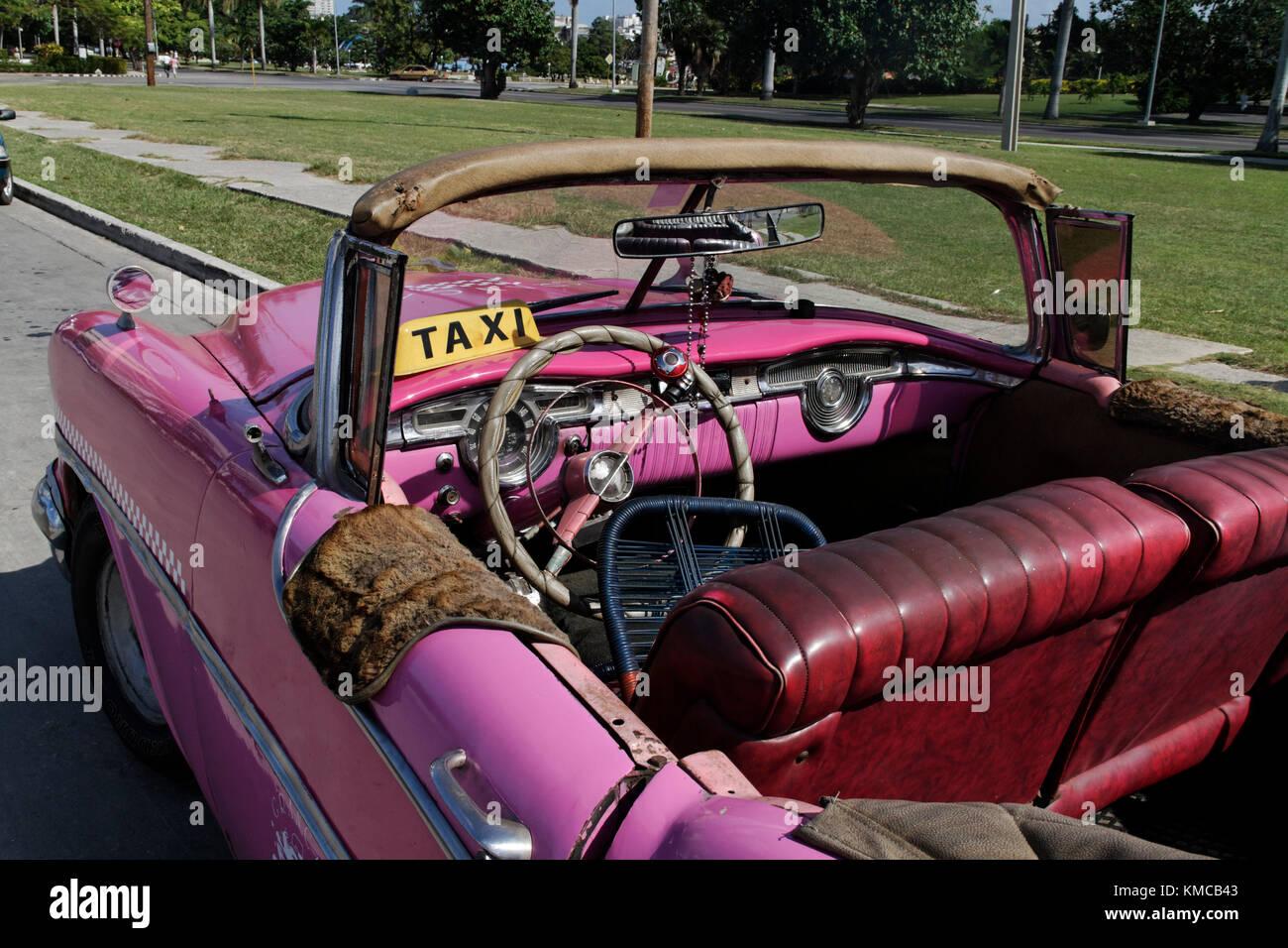 Plaza De La Revolucion Square, Oldtimer Taxi, Havanna, Kuba, Karibik Stockbild