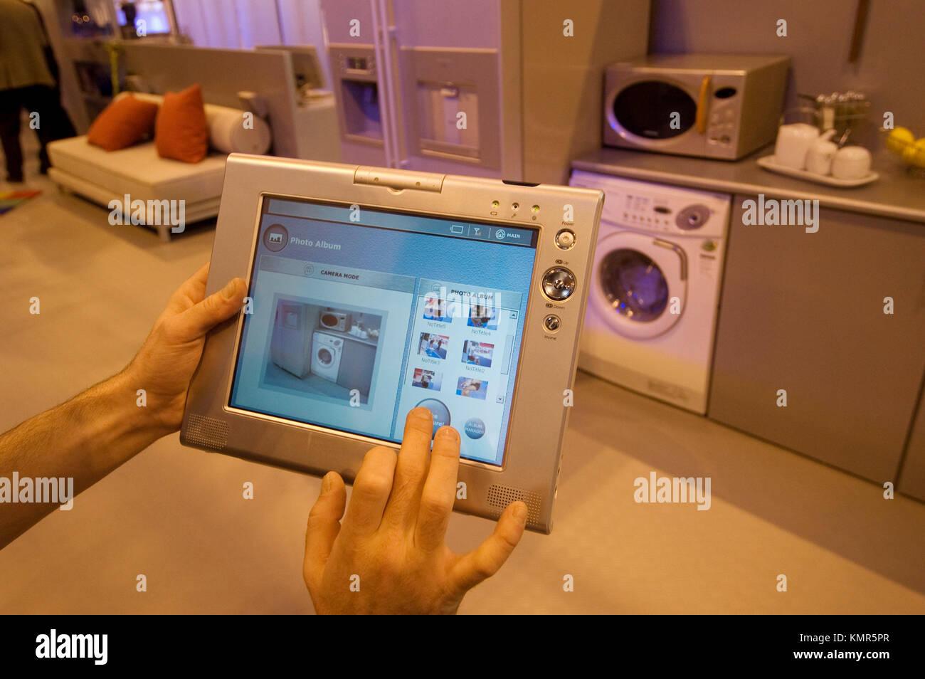 Samsung's Home Vita Domotik System bereit, alle inländischen elektronischen Geräten, SIMO TCI, internationalen Stockbild