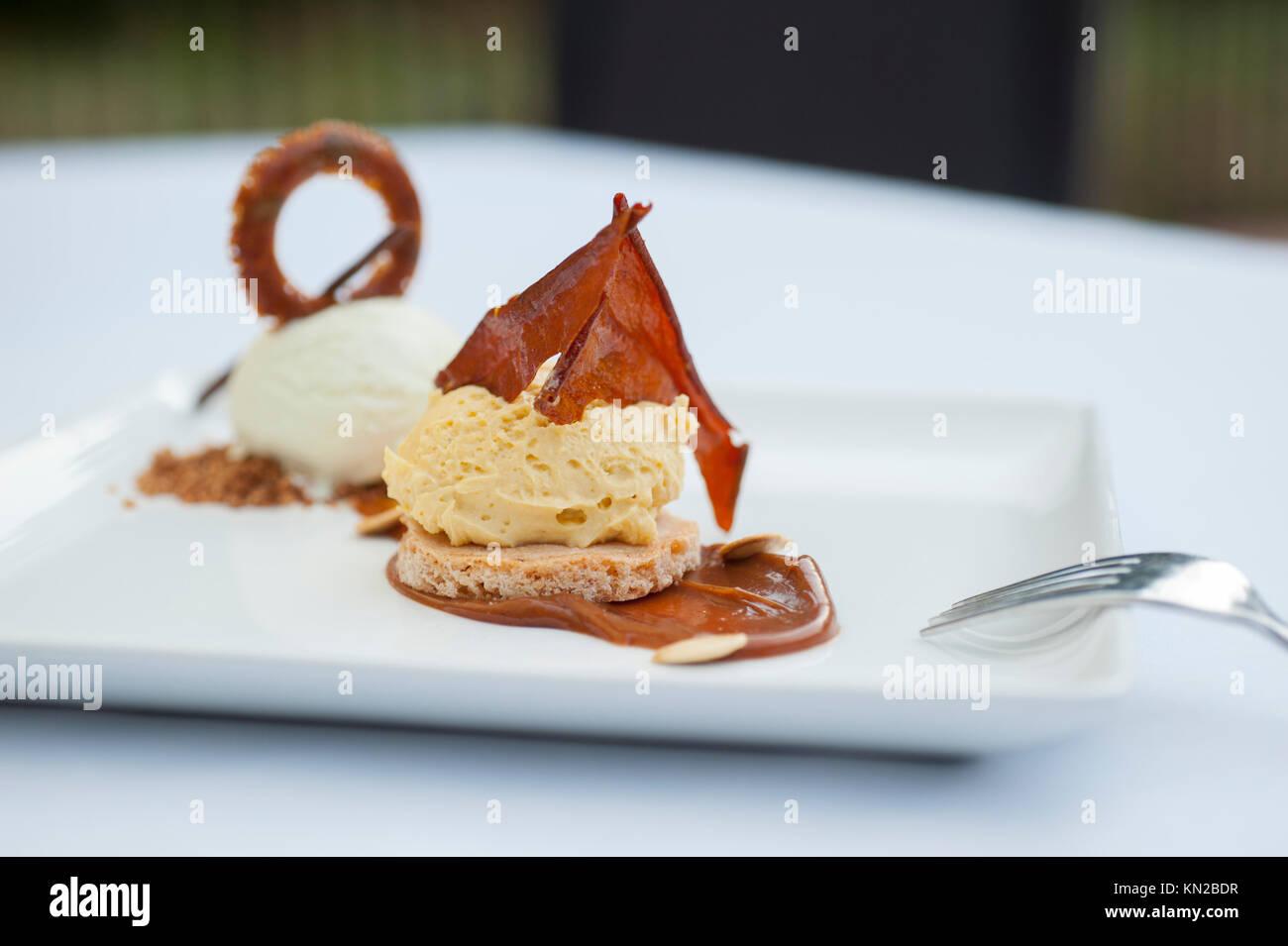 USA Virginia VA Williamsburg Winery Cafe provenzalischen Speisen elegant essen Dessert Stockbild