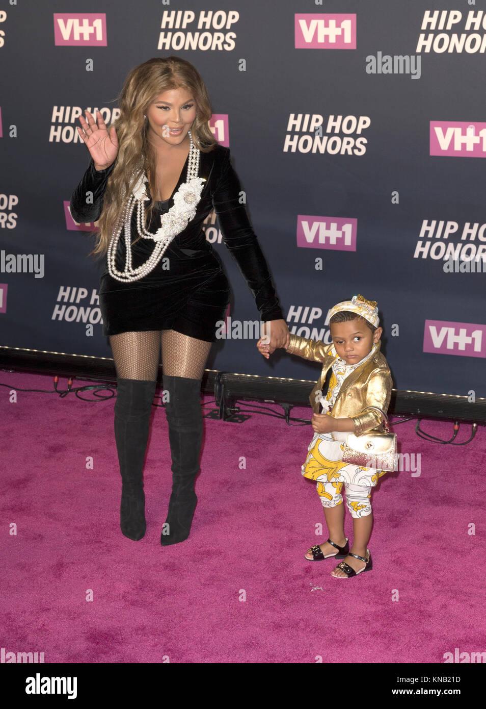 New York, NY - 11. Juli 2016: Lil Kim mit Tochter königlichen Herrschaft besuchen 2016 VH1 Hip Hop Honors: Stockbild