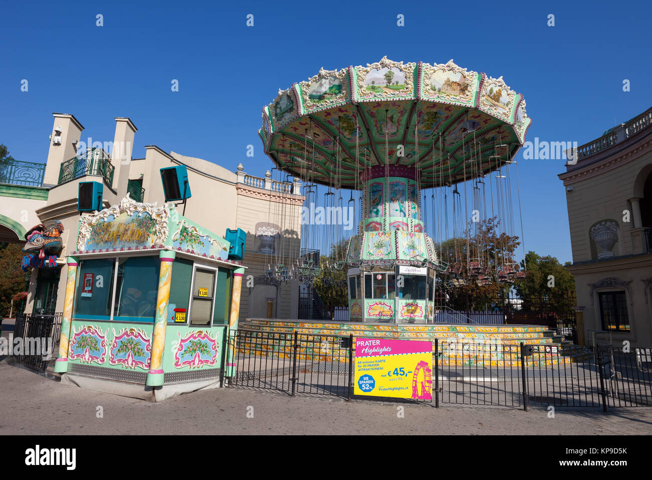 Luftikus auf nostalgische Kettenkarussell retro Karussell im Prater in Wien, Österreich, Europa Stockbild