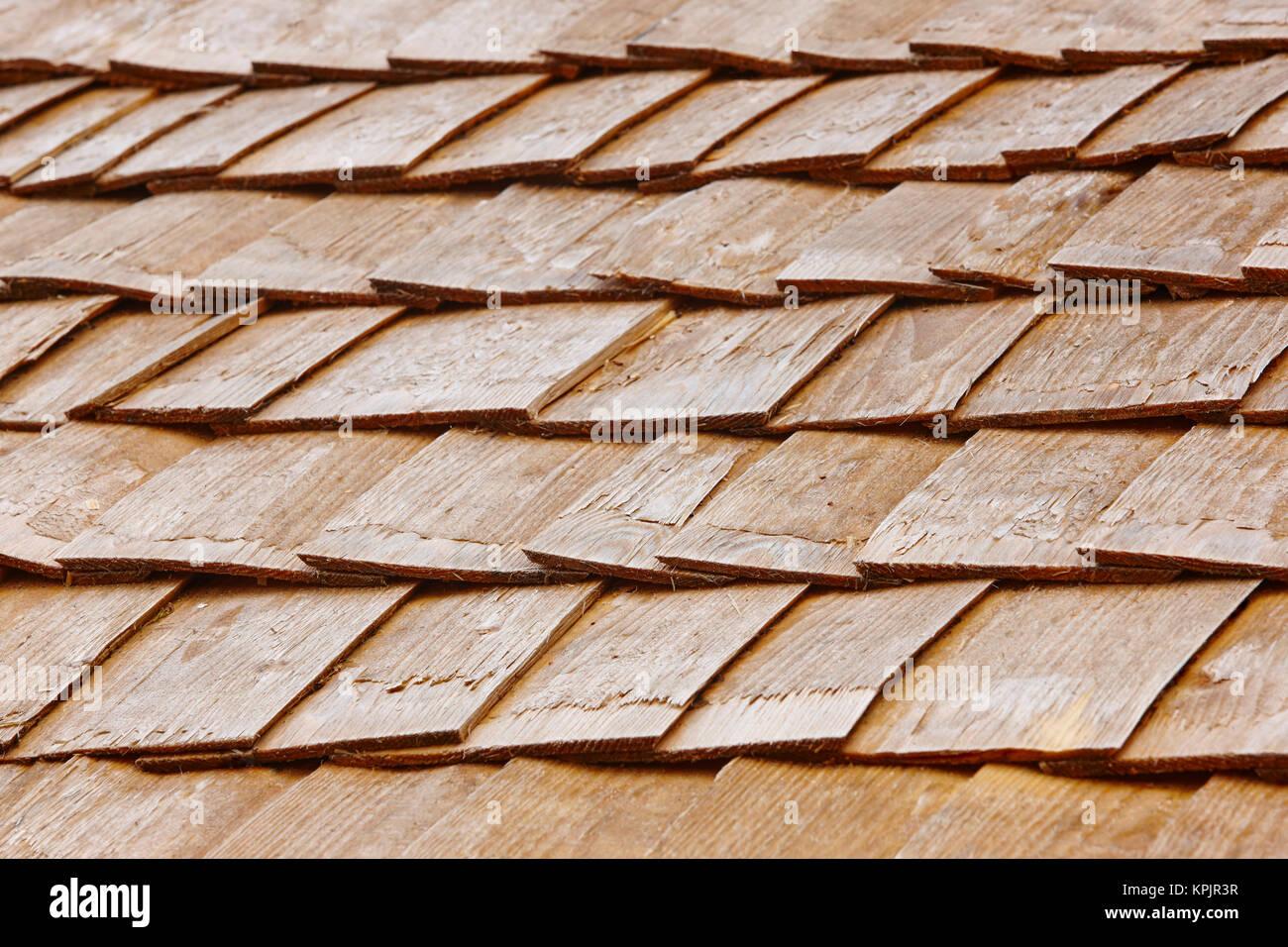 Holz schindel fliesen auf einem dach finnland for Fliesen auf holz