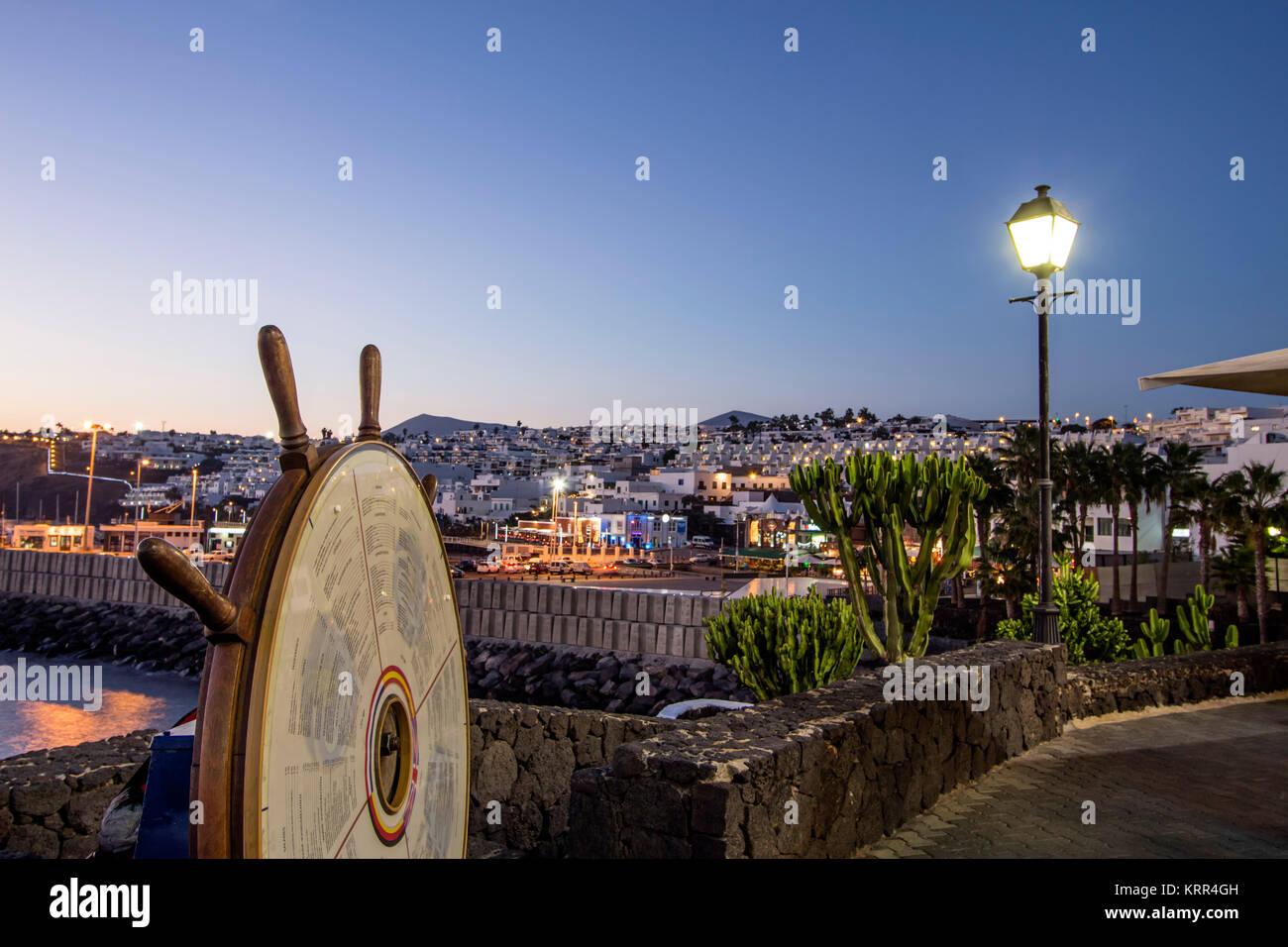 Puerto del Carmen, den alten Hafen, Dämmerung, Lanzarote, Kanarische Inseln, Spanien Stockbild