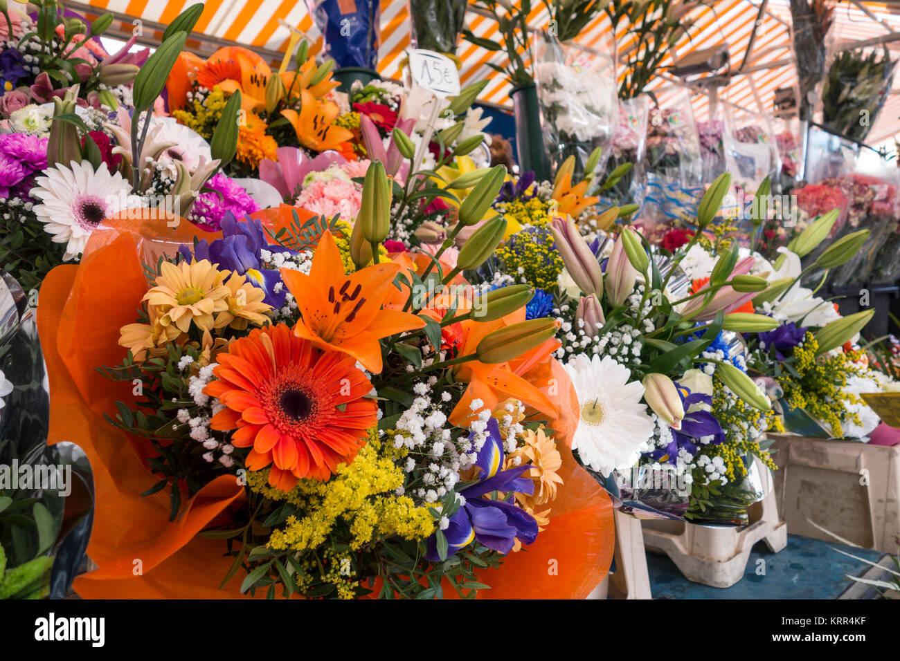 Blumensträuße in den Blumenmarkt, Nizza, Frankreich, Stockbild