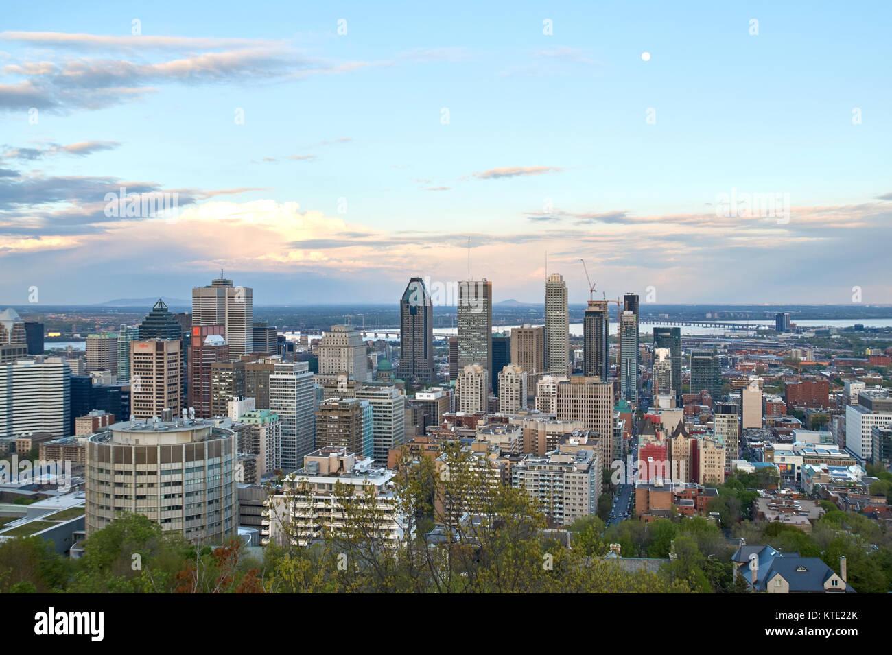 MONTREAL, KANADA - 27. MAI 2016: Malerische Aussicht auf Frühling Ausfallzeiten Montreal. Stockbild