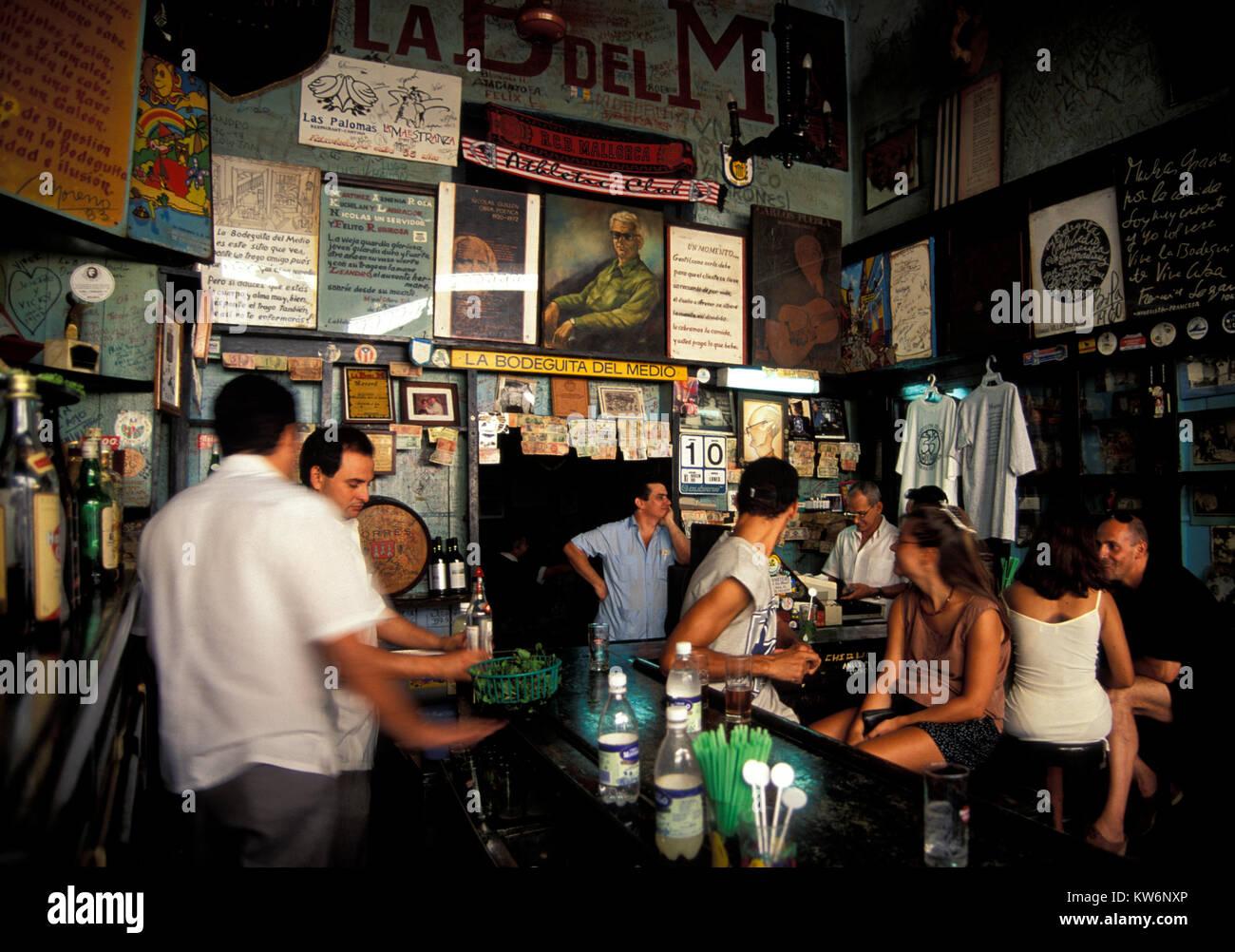 Hemingway Bar Bodeguita del Medio, Havanna, Kuba Stockbild