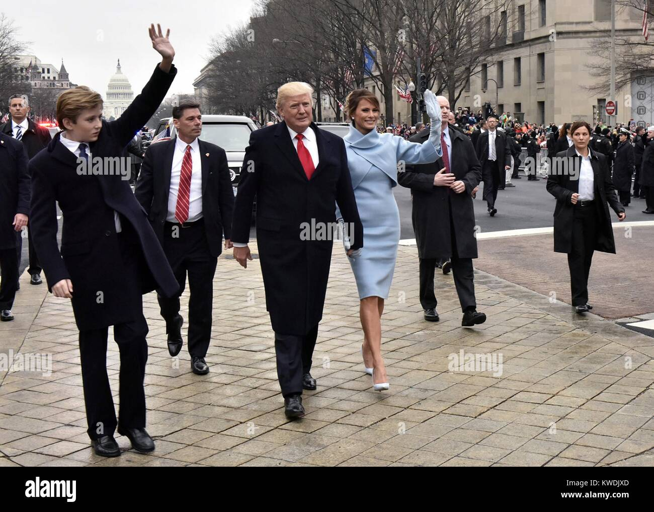 Präsident Donald Trumps Eröffnungs-Parade mit der neuen First Lady, Melania Trump, und Barron Trumpf. Stockbild