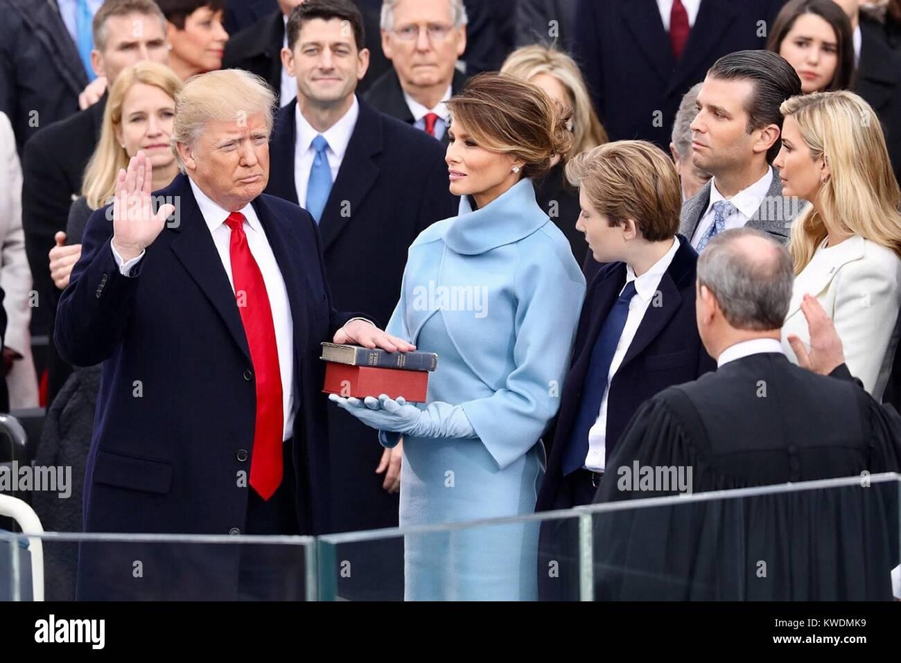 Donald Trump ist der amtseid die Nationen 45th Präsident, Jan. 20, 2017 zu werden. Seine Frau Melania die Lincoln Stockbild