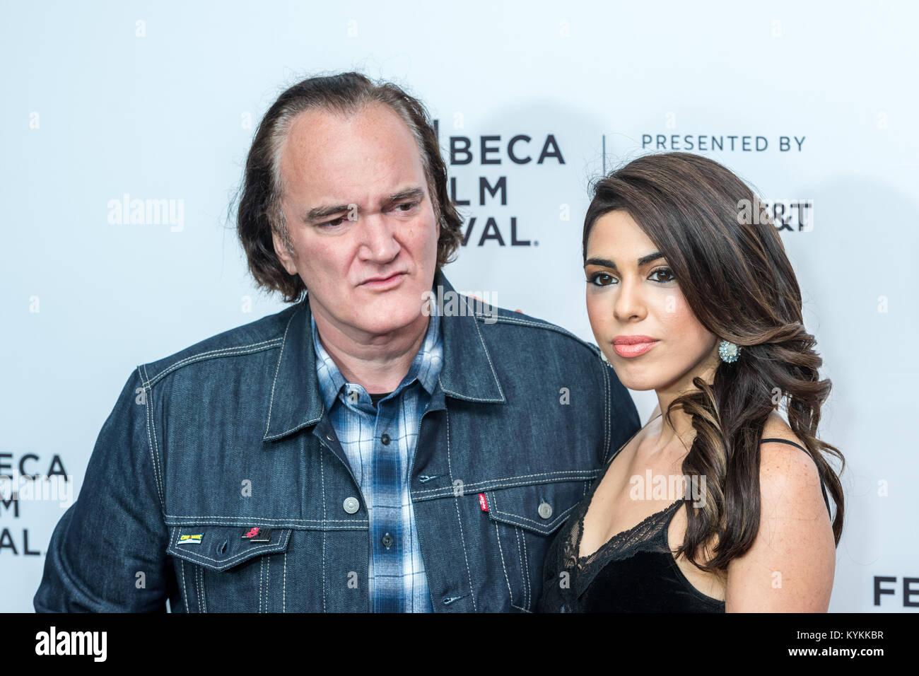 """Regisseur Quentin Tarantino und seine Freundin Daniella abholen kommen im New Yorker Beacon Theatre zu den """"Reservoir Stockbild"""