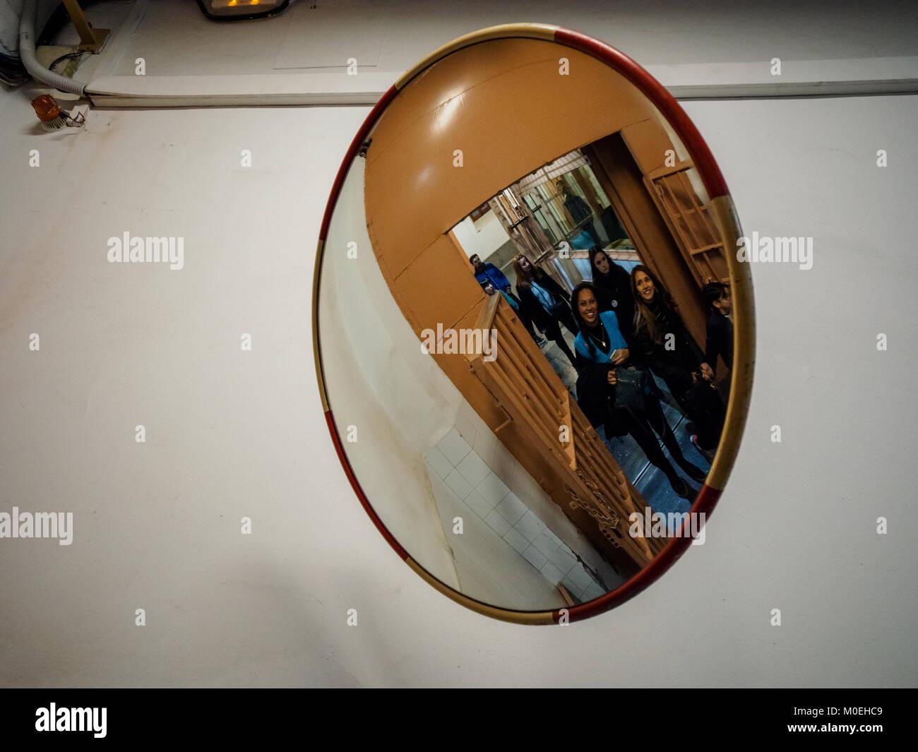 Women prison cell stockfotos women prison cell bilder for Der spiegel spanien