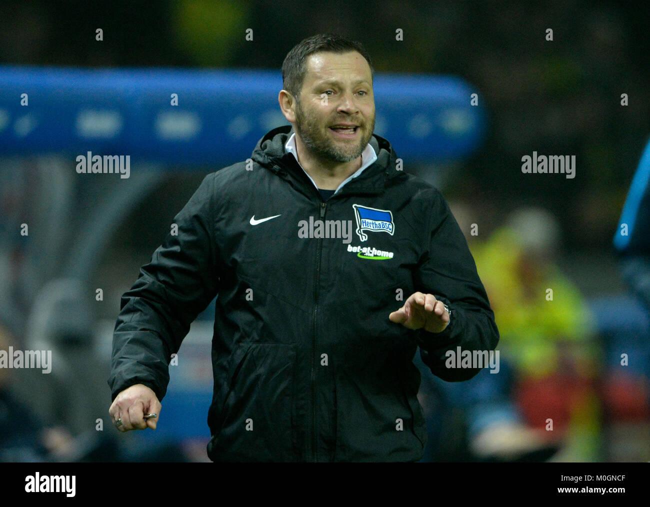 Berlin, Deutschland. 19 Jan, 2018. Trainer Pal DARDAI (B), Geste, Gestik, Fussball 1. 1. Fussballbundesliga, 19. Stockbild