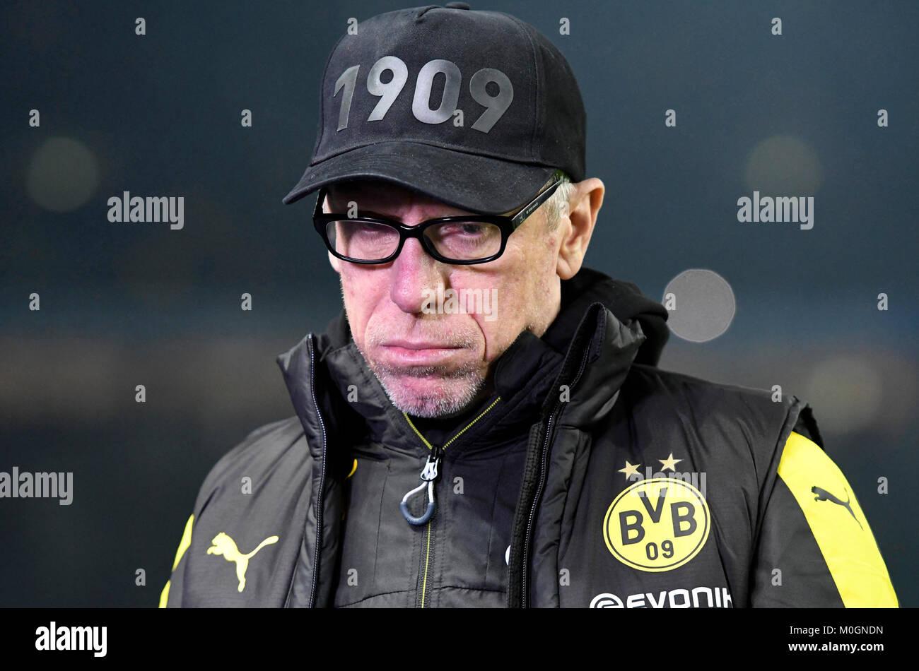 Berlin, Deutschland. 19 Jan, 2018. Trainer Peter STOEGER (Stoger, DO), Portraet, Portrait, Kopf, Fussball 1. 1. Stockbild