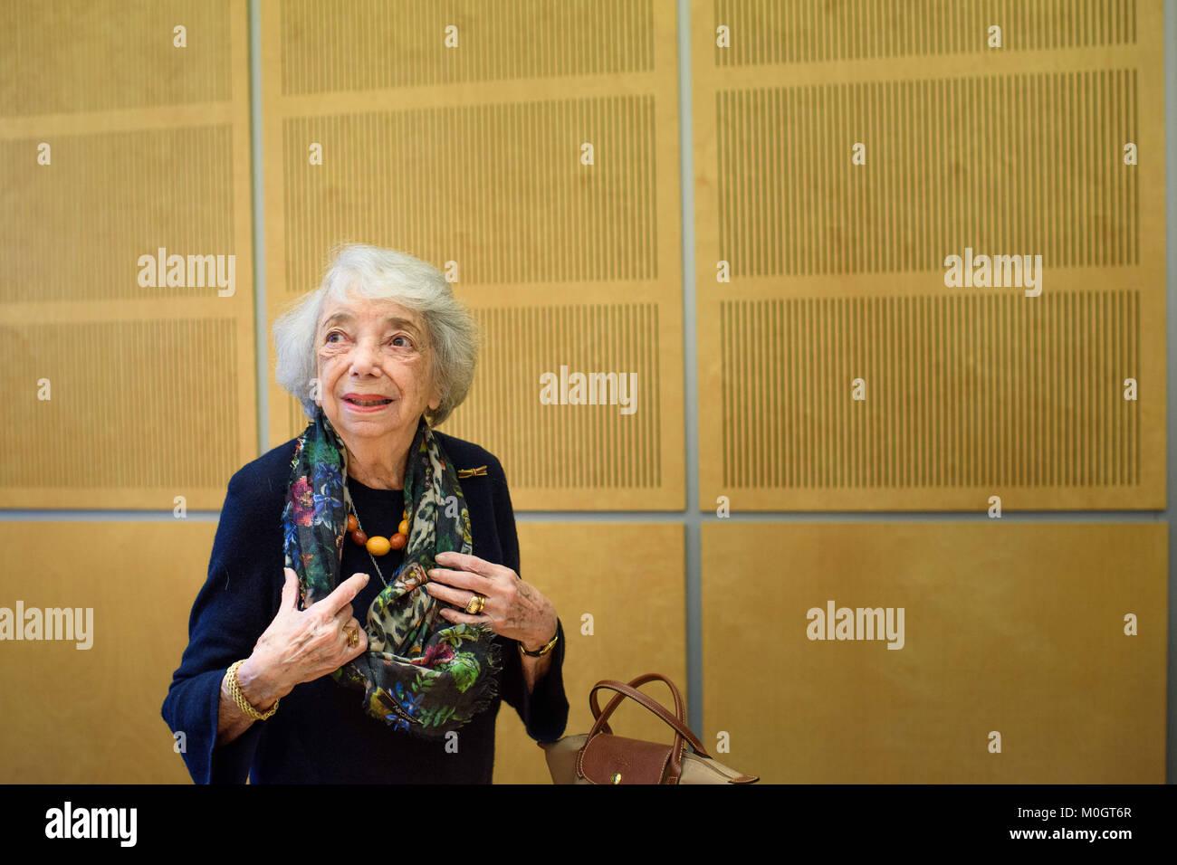 Berlin, Deutschland. 22 Jan, 2018. Holocaust Survivor Margot Friedlaender nimmt an einer Pressekonferenz nach der Stockbild