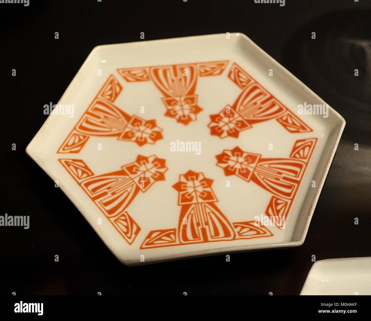 Kuchen Platte, die Porzellanfabrik Gebrüder Bauscher, Weiden, 1902, Porzellan - sogenannten Bröhan-Sammlung Stockbild