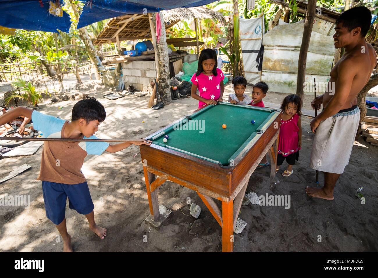 Philippinen, Luzon, Camarines Sur Provinz, San Jose, Familie ...