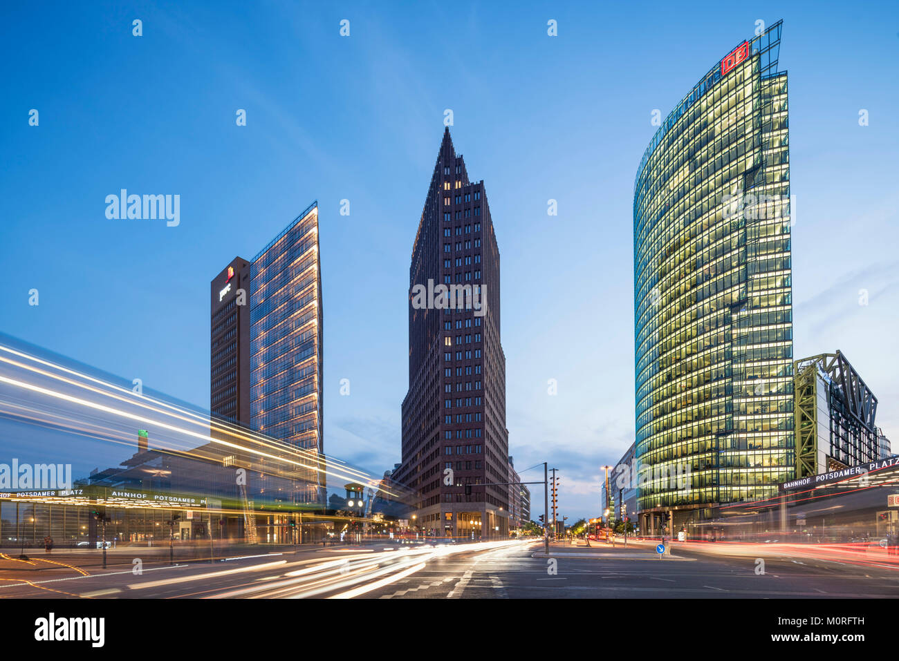 Potsdamer Platz, Berlin, Kollhoff-Tower, Sony Center, DB-Tower, Beisheim Center, S-Bahn-Eingang, Berlin Mitte, Deutschland Stockbild