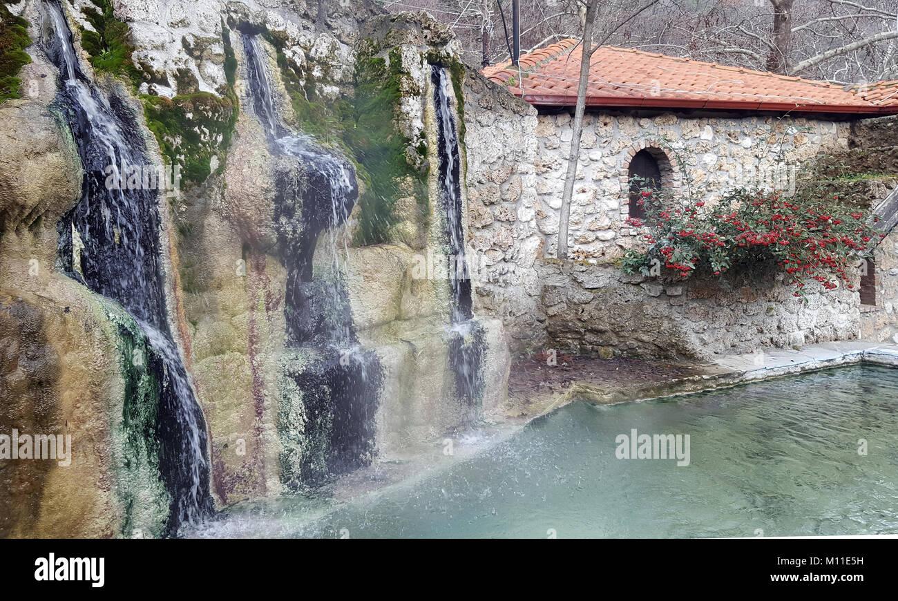 Wasserfall Und Pool Bei Loutra Pozar Von Aridaia In Mazedonien, Griechenland