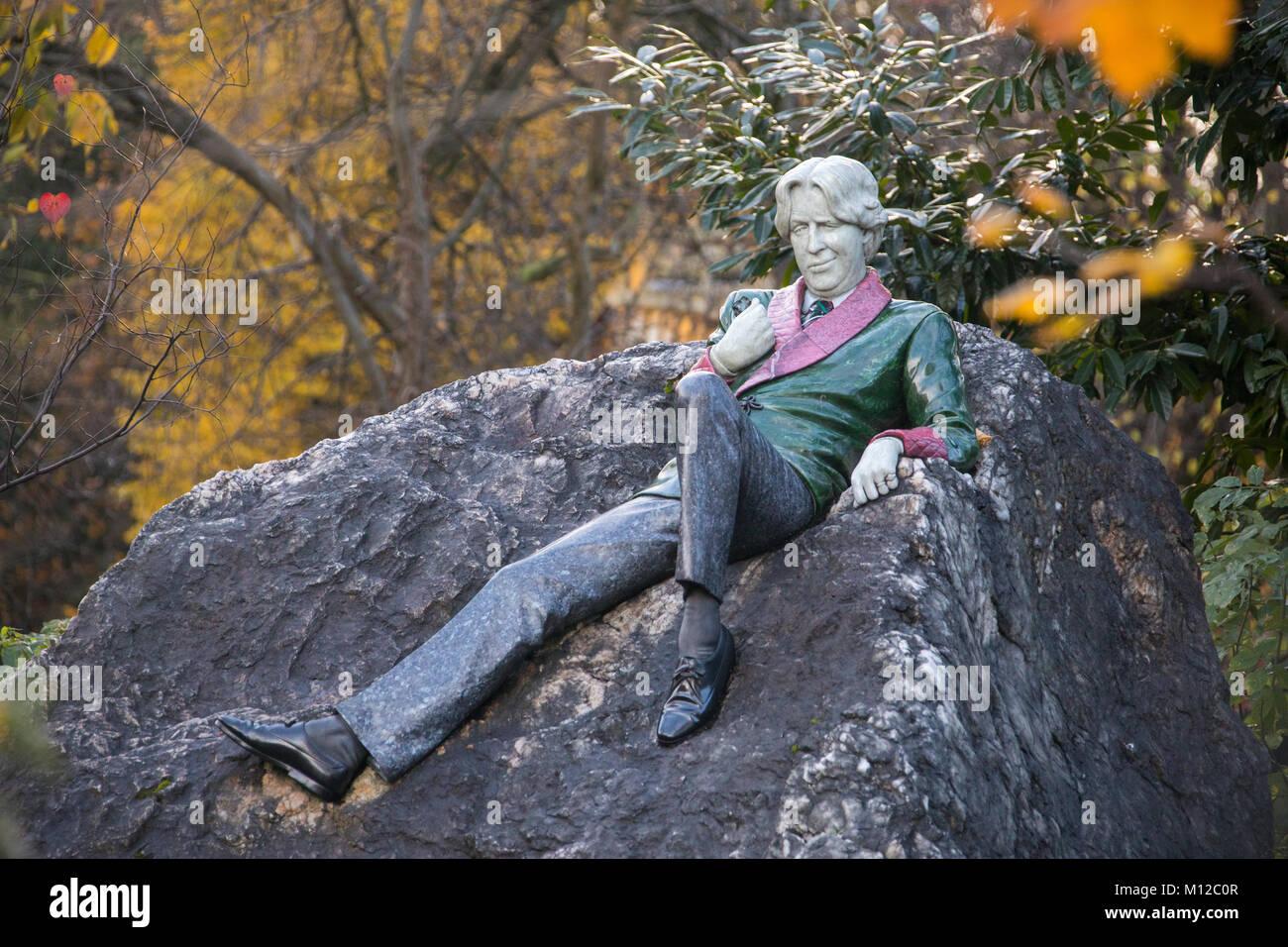 Statue von Oscar Wilde, Merrion Square Park, Dublin, Irland Stockbild