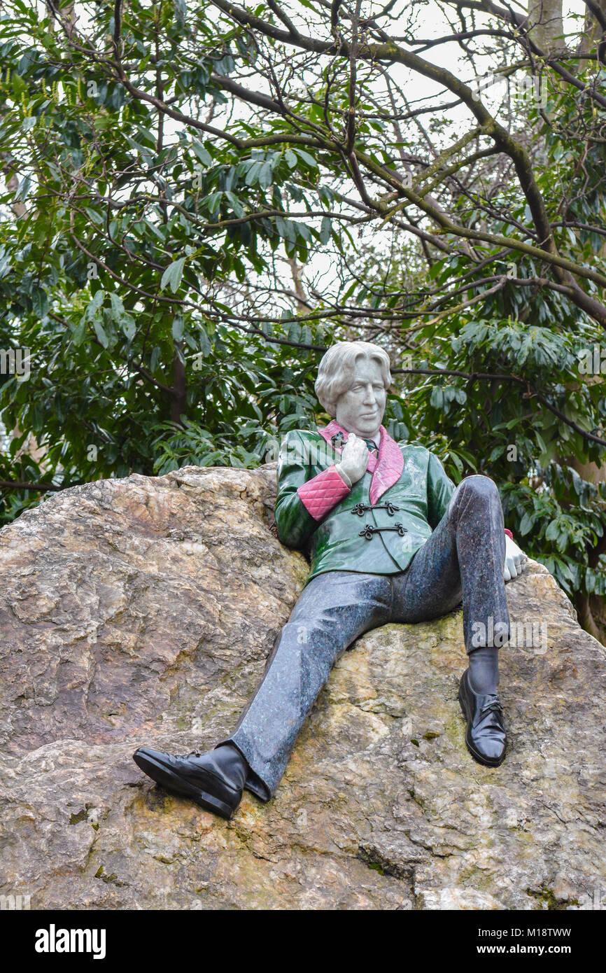 Oscar Wilde Statue - Merrion Square, Dublin, Irland Stockbild