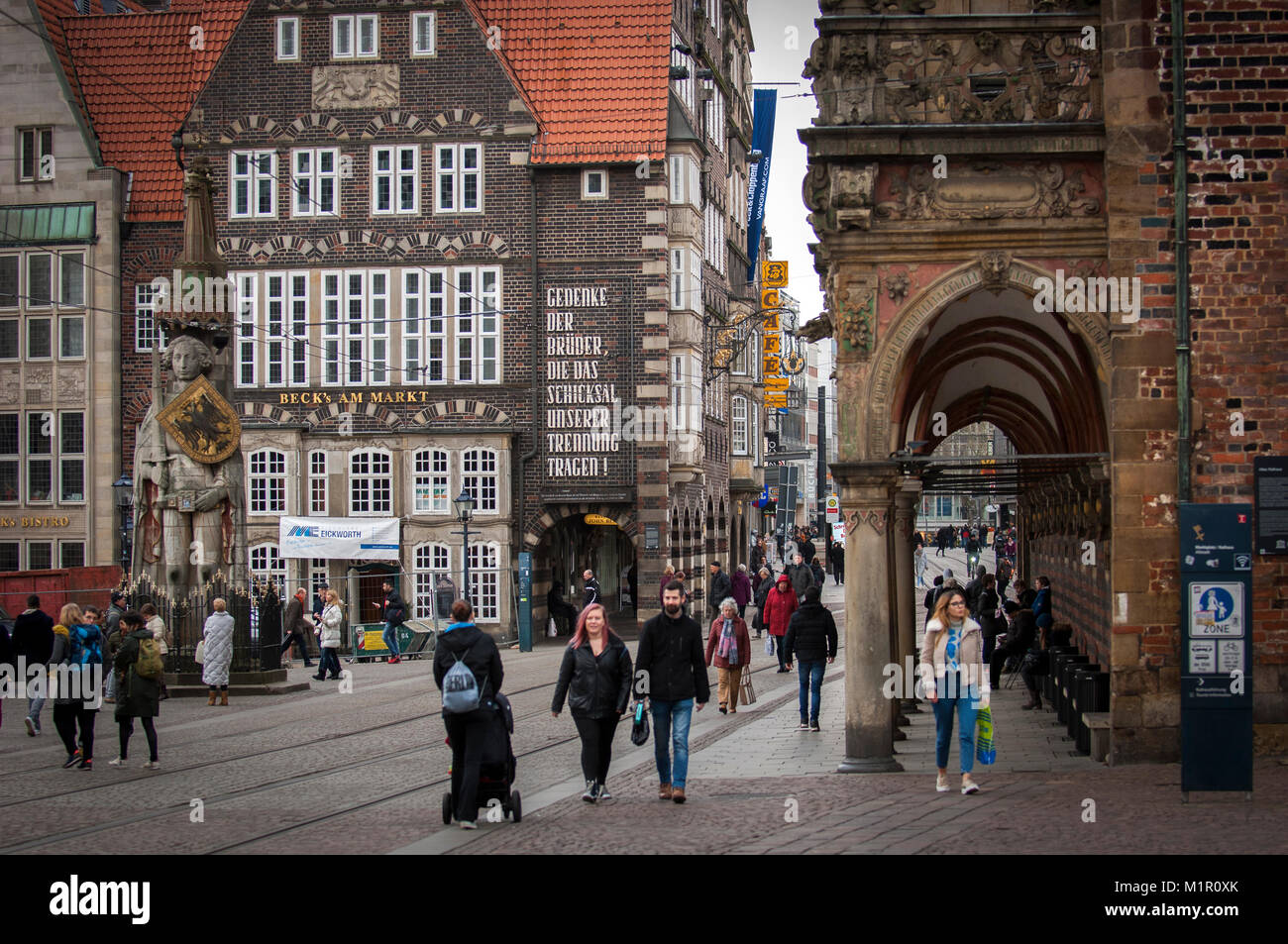 Das tägliche Leben an der am Markt, im historischen Zentrum von Bremen, Deutschland. Stockbild