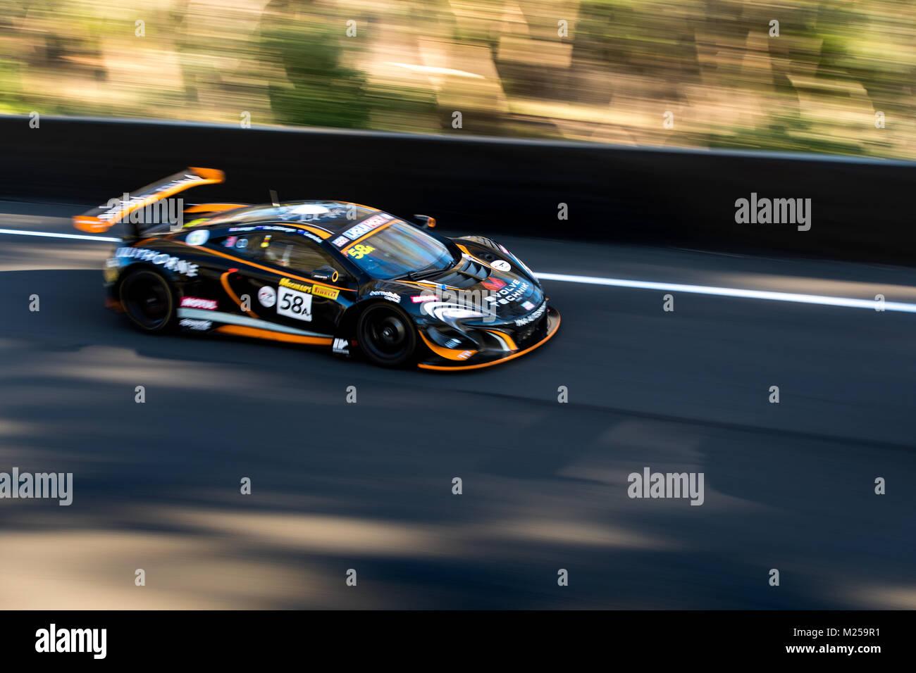 Mount Panorama Circuit, New South Wales, Australien. 05-02-2108. YNA Autosport - Craig Lowndes - McLaren 650 S GT3. Stockbild