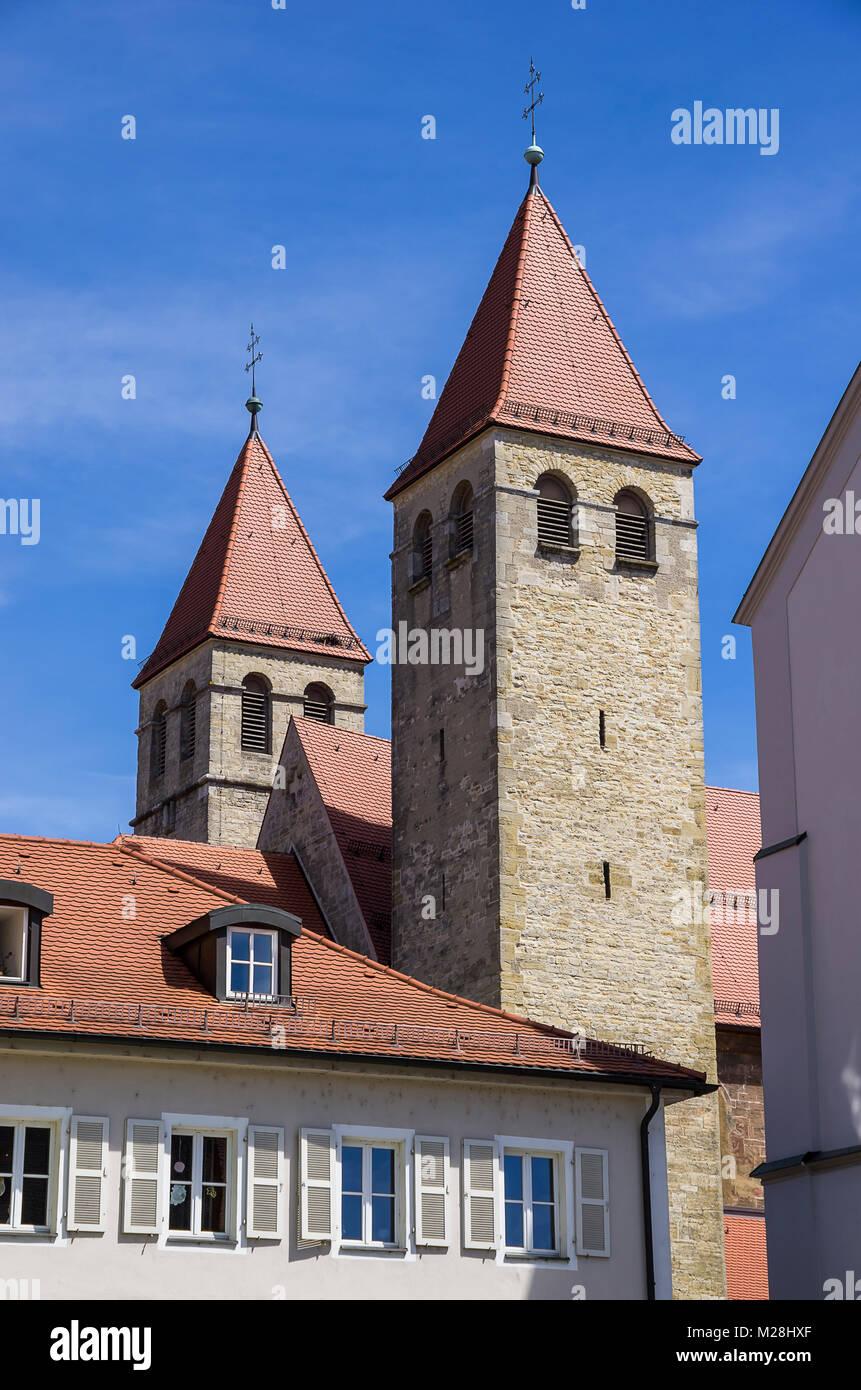 Die Türme der Kirche in der niedermünsterkirche Regensburg, Bayern, Deutschland. Stockbild