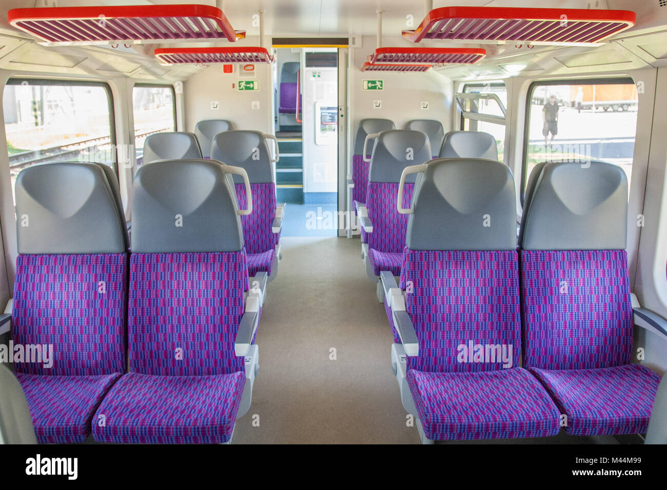 Tschechische Regional-Train am Skoda-Plant in Pilsen Stockbild