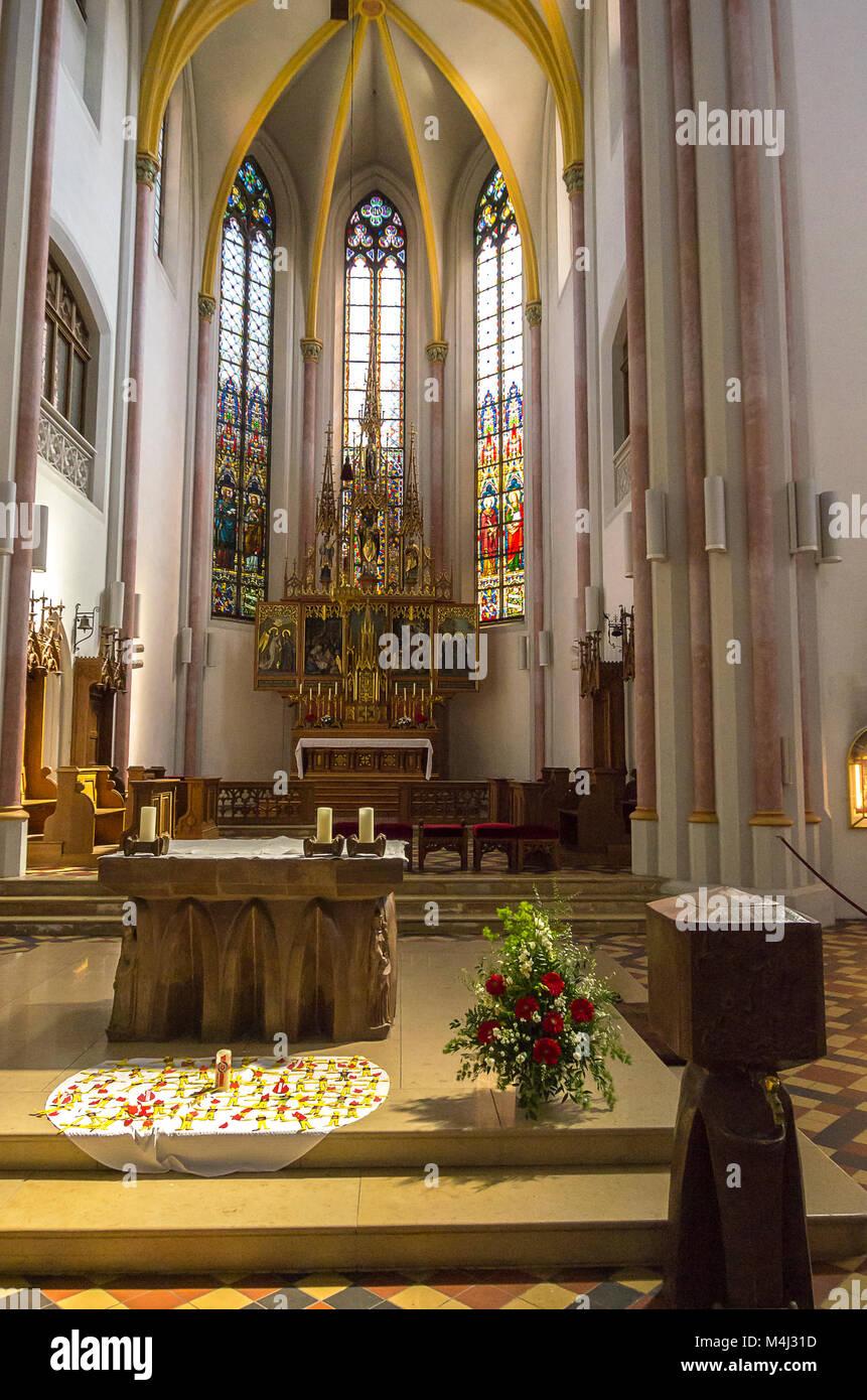 In der katholischen Pfarrkirche St. Nikolaus in Zwiesel, Bayerischer Wald, Bayern, Deutschland. Im Innern der katholischen Stockbild