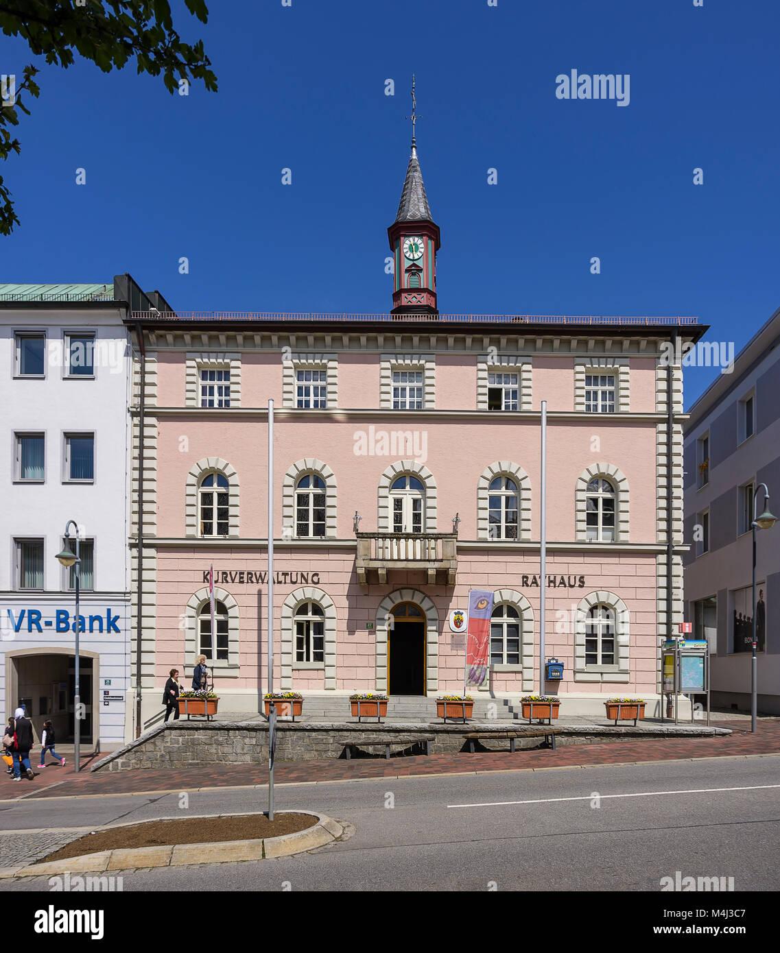 Das Rathaus am Stadtplatz in Zwiesel, Bayerischer Wald, Bayern, Deutschland. Stockbild