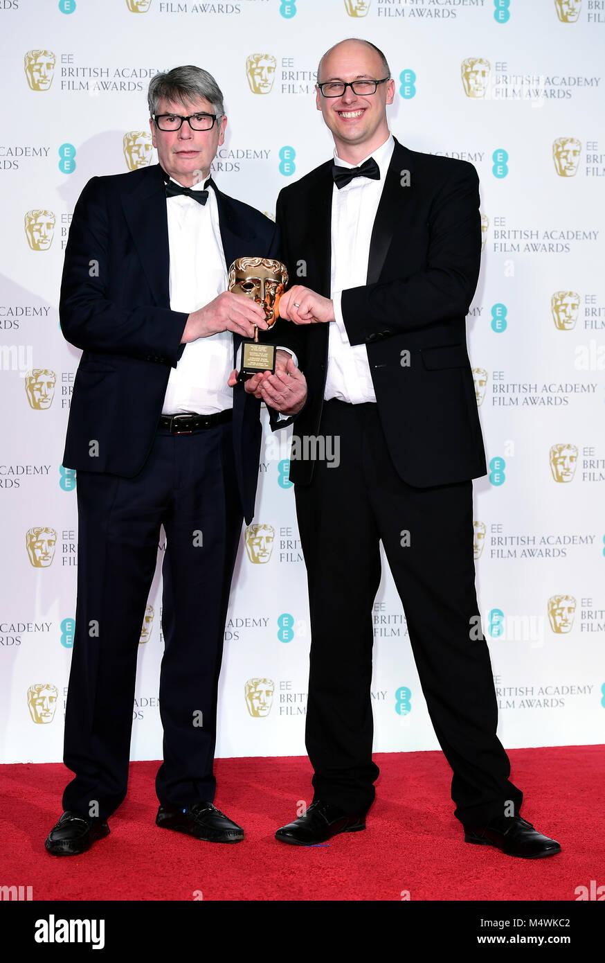 Nick Powell und Jon Wardle mit dem Award für herausragende Beitrag zum britischen Kino in der Presse an der Stockbild