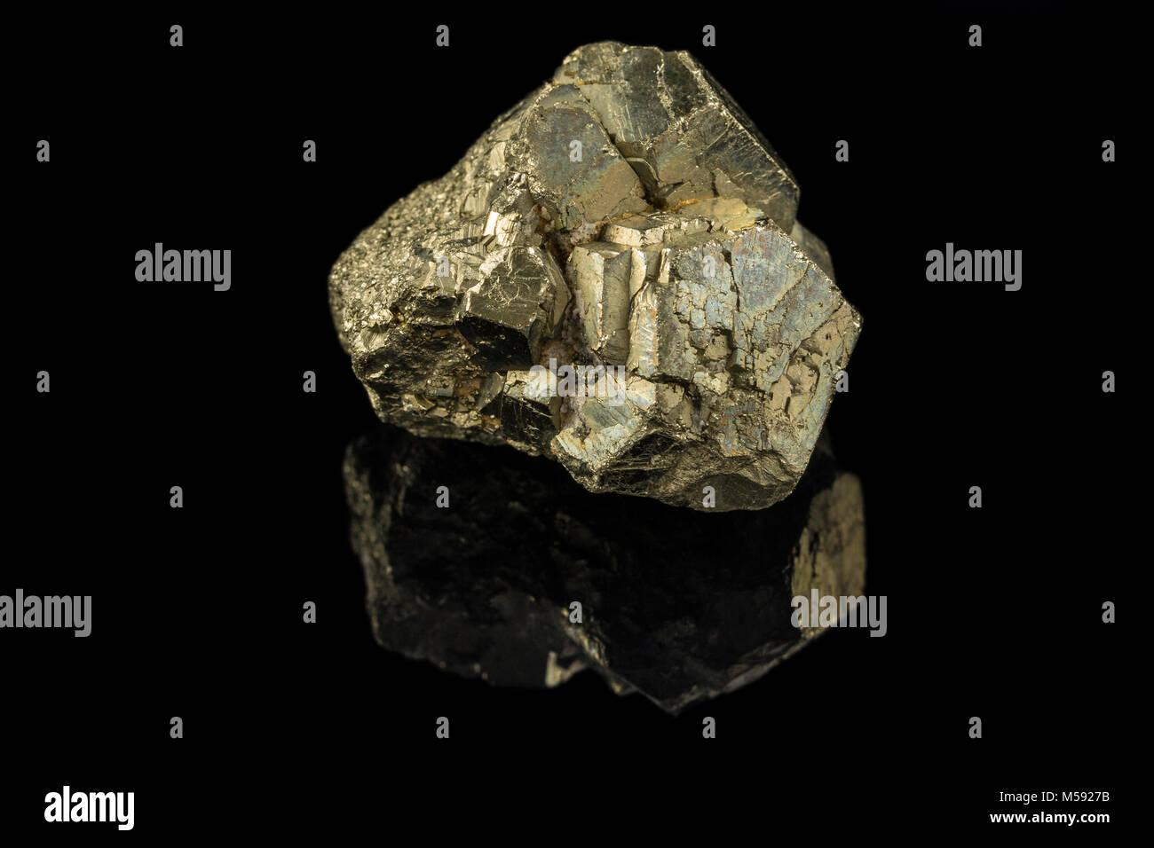 Shining Gold und schwarzer Hintergrund Stockbild