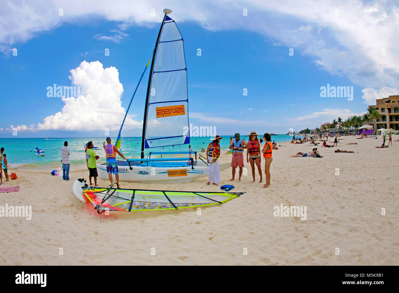 Wassersport am Strand von Playa del Carmen, Mexiko, Karibik | Wassersport am Strand von Playa del Carmen, Mexiko, Stockbild