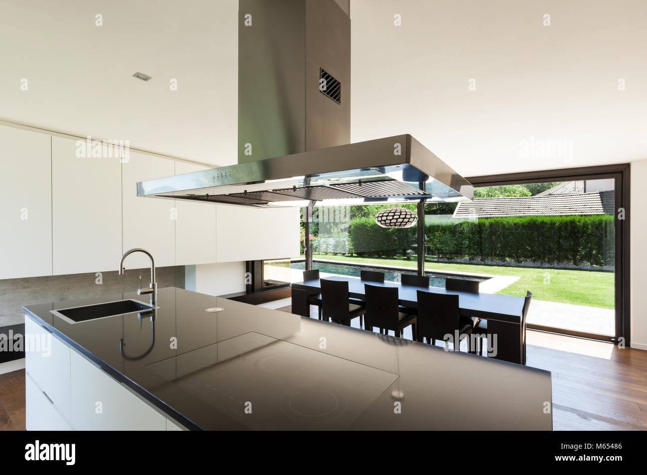 Moderne Villa, Interieur, schöne Küche Stockfoto, Bild: 175904742 ...