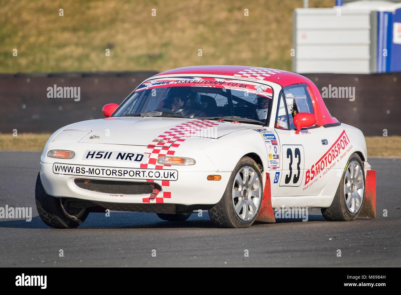 Ben Kurz und John Lawes im Mazda MX5 Am 2018 Motorsport News Snetterton Bühne Rally, Norfolk, Großbritannien. Stockbild