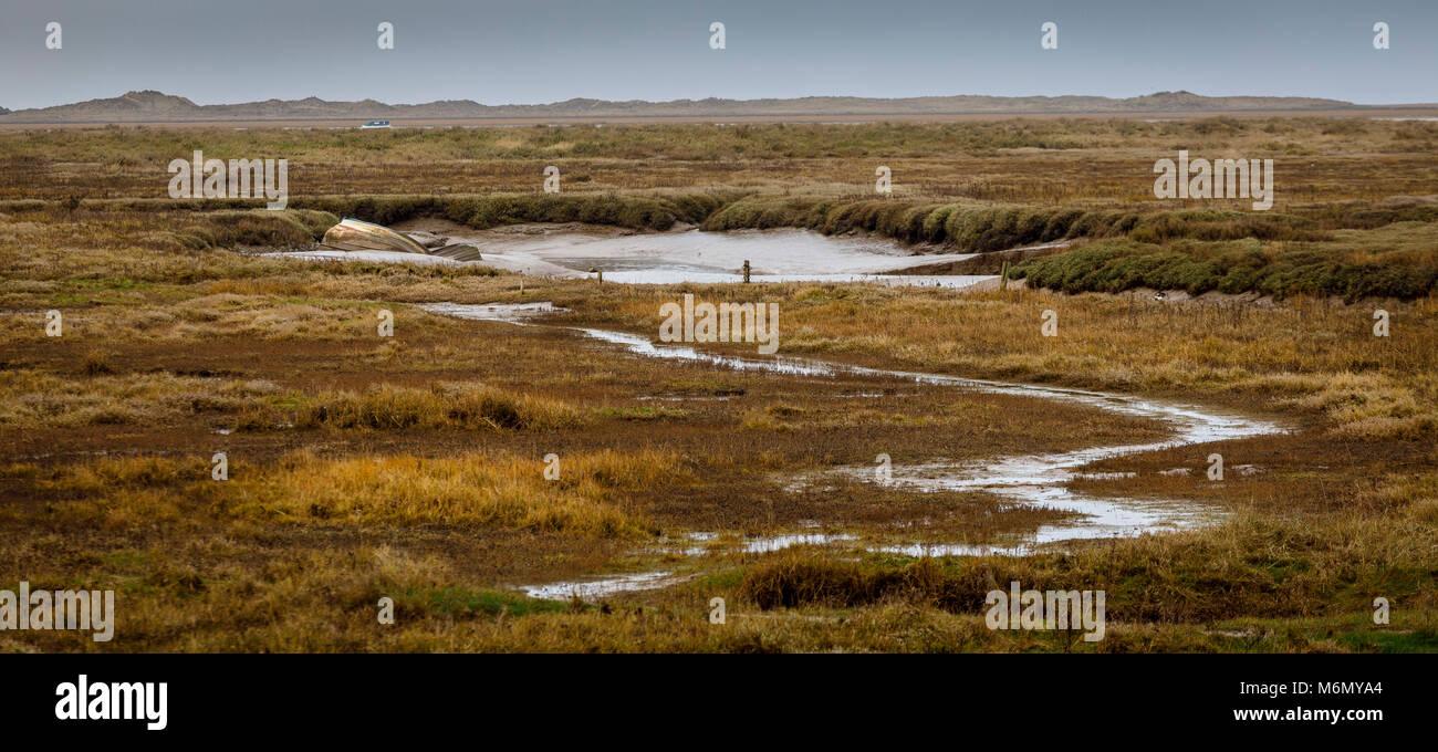 Teil der Blakeney Hafen Küsten Naturschutzgebiet bei niedrigem Wasserstand, Norfolk, Großbritannien. Stockbild