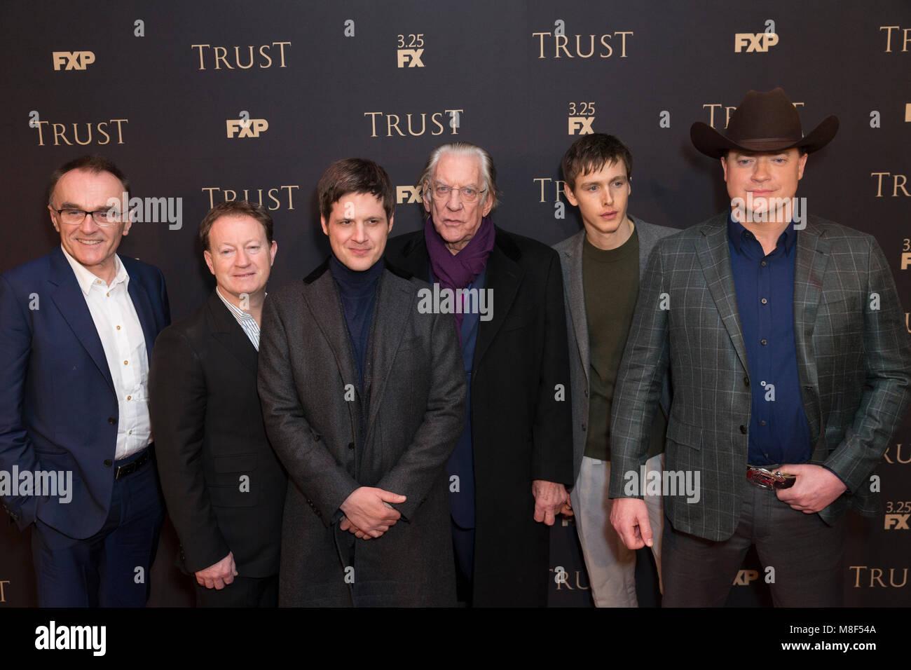 New York, NY - 15. März 2018: Danny Boyle, Simon Beaufoy, Michael Esper, Donald Sutherland, Harris Dickinson, Stockbild
