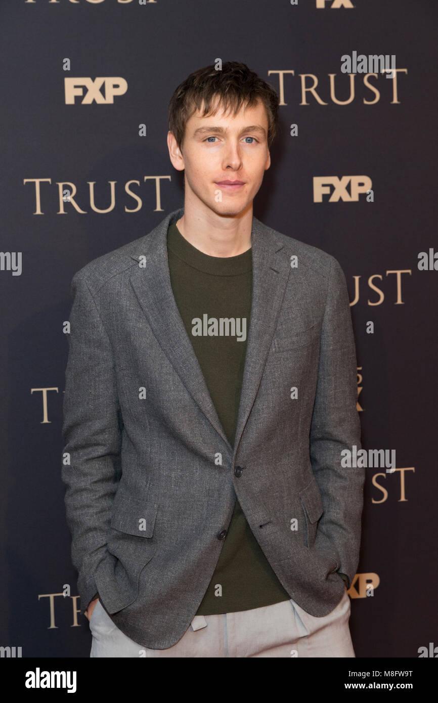 New York, NY - 15. März 2018: Harris Dickinson nimmt FX jährliche All-Star-Party an der SVA Theater Stockbild