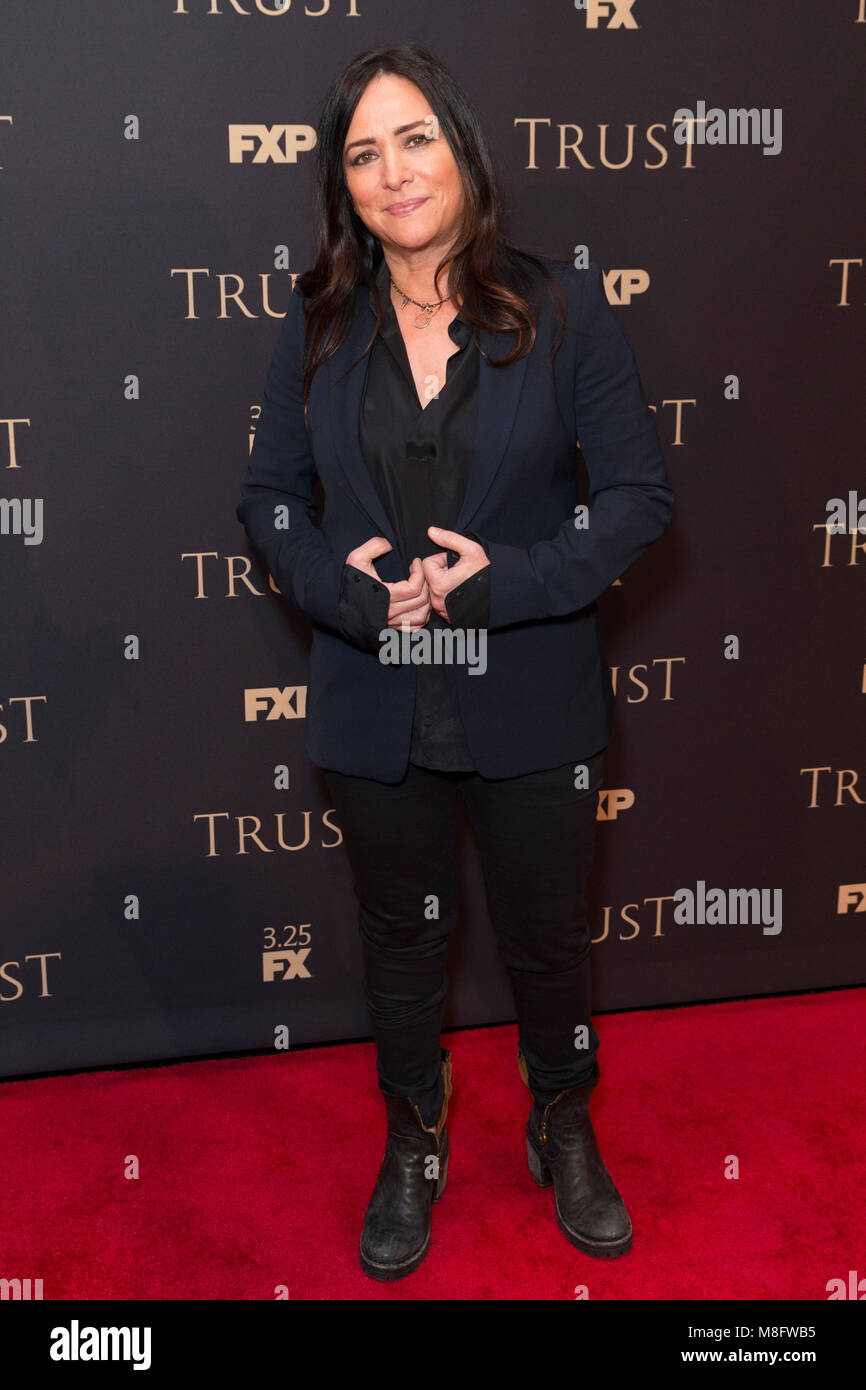 New York, NY - 15. März 2018: Pamela Adlon besucht FX jährliche All-Star-Party an der SVA Theater Stockbild