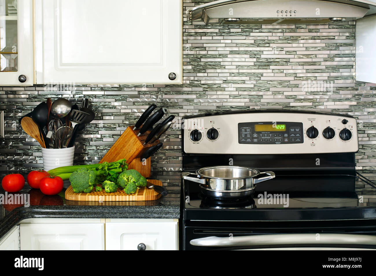 granite worktops stockfotos granite worktops bilder alamy. Black Bedroom Furniture Sets. Home Design Ideas