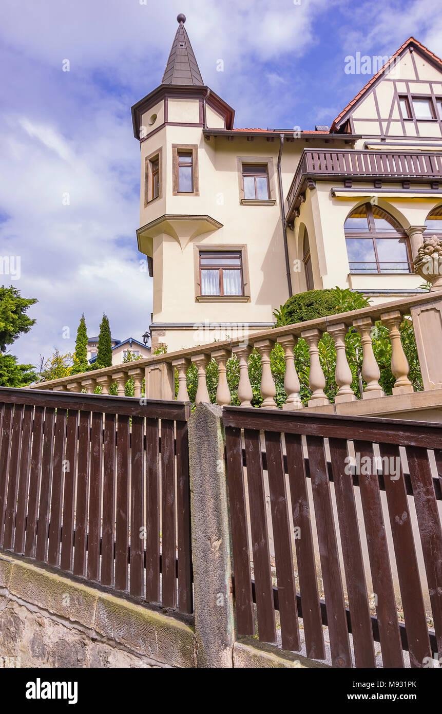 Dresden, Sachsen, Deutschland - Stadtvilla im Wohngebiet mansion Bereich Loschwitz. Stockbild