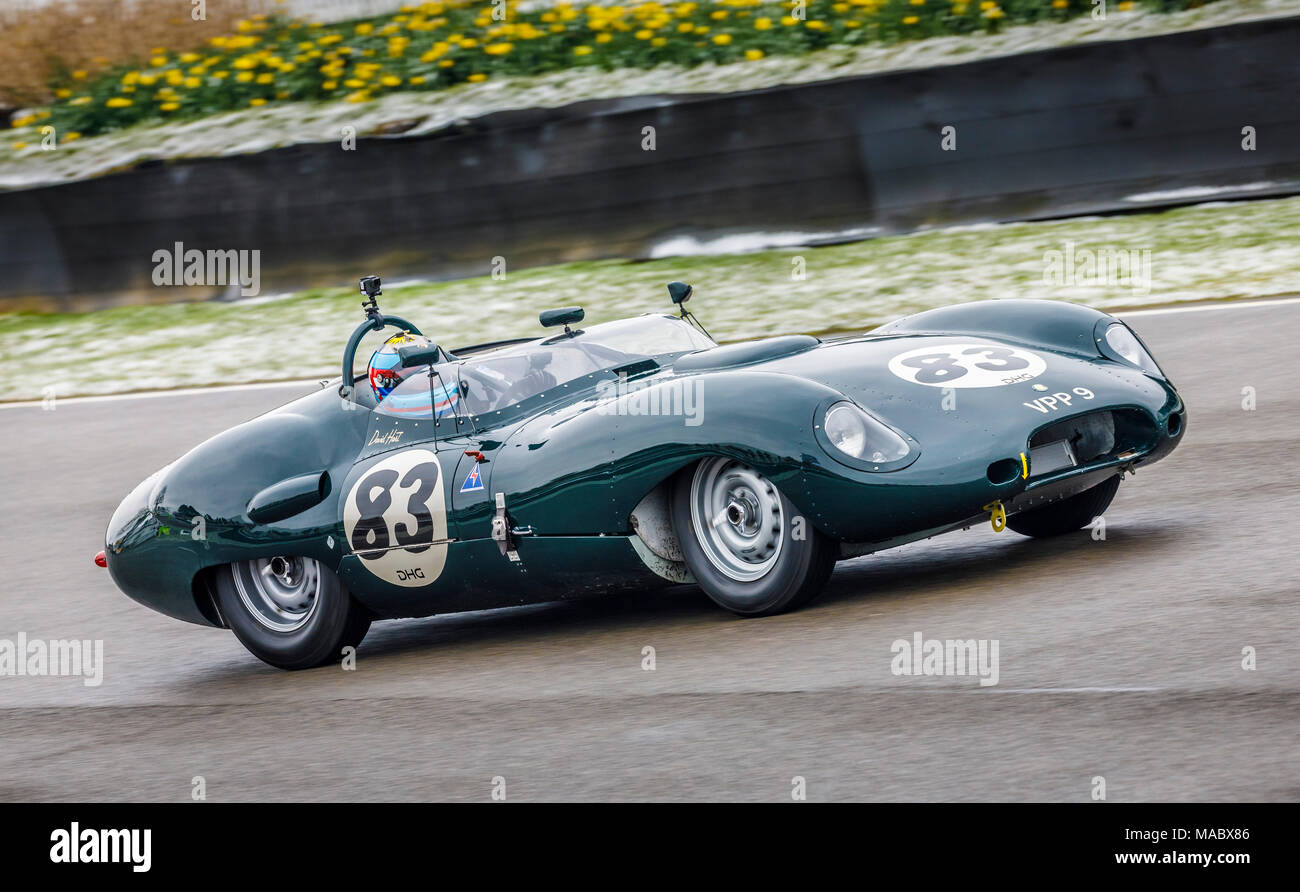 "1959 Lister-Jaguar' Costin"" mit Fahrer David Hart während der salvadori Cup Rennen in Goodwood 76th Mitgliederversammlung, Sussex, UK. Stockbild"