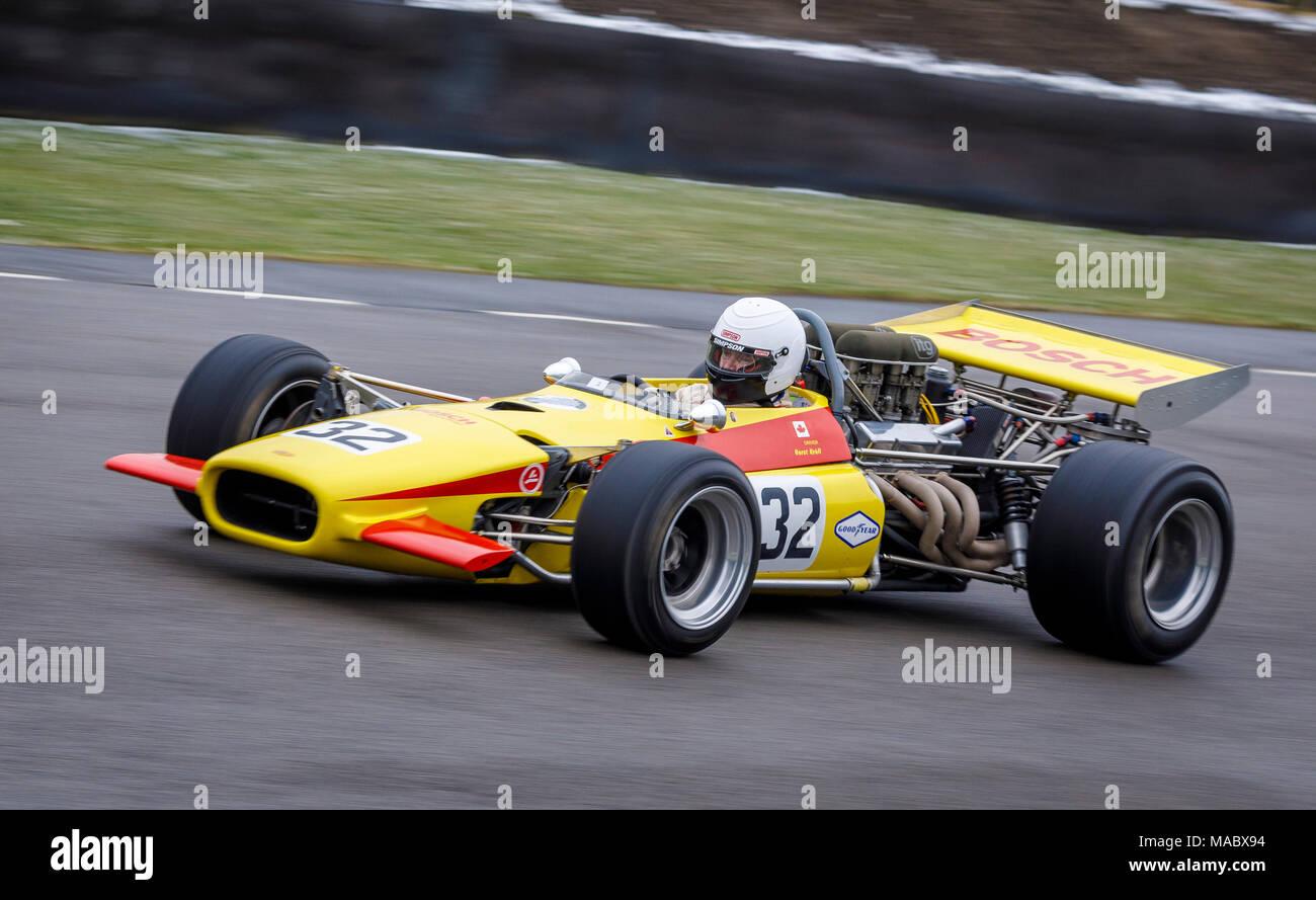 1969 Lola-Chevrolet T142 F5000 mit Fahrer Adam Simmonds am Goodwood 76th Mitgliederversammlung, Sussex, UK. Stockbild